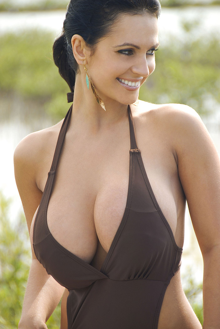 Gorgeous Indian Babe Big Natural Boobs Nude Pics