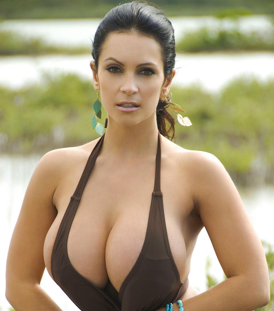 сайте ищите видео самые натуральные груди красивых девушек в хорошем качестве подняла
