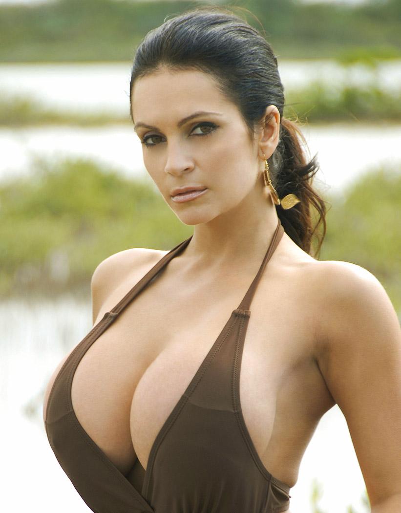 big-boob-swimwear